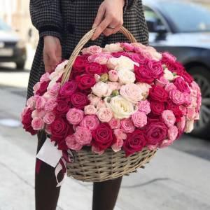 Микс 51 розы, цветы в корзине R952