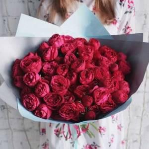 Букет 19 веток пионовидной розы в упаковке R374