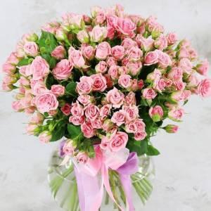 Букет 31 кустовых розовых роз с лентами R483